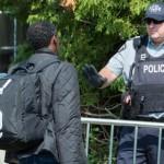 八月份从美国越境加拿大的人数大增