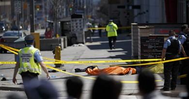 突发:多伦多一汽车撞向行人致多人受伤