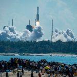 中国成功发射天舟三号货运飞船